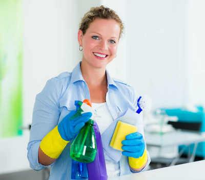 Faire appel à une femme de ménage pour l'entretien quotidien à Castelnau-d'Estrétefonds